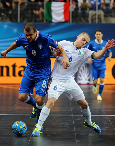 An additional 13 Futsal internationals sign to play in the Premier Futsal League in India