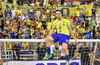 Today the legend Falcão retires from International Futsal