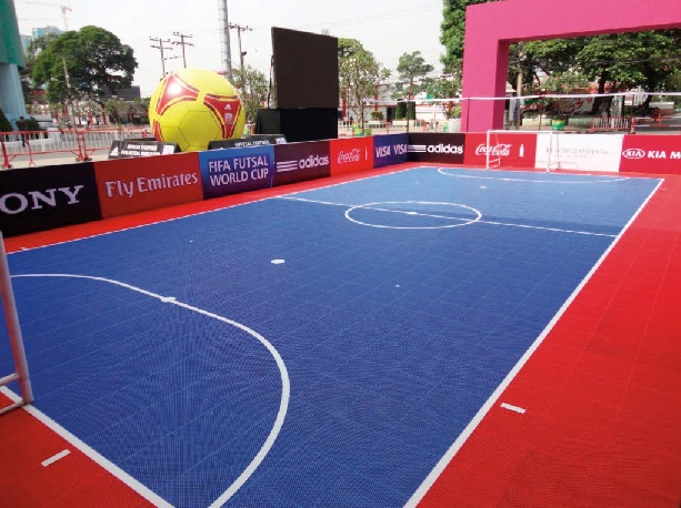 Changing pitch-size for young Futsal players